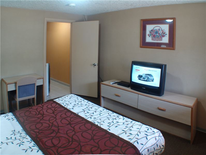 Hotel Name Room King 6a