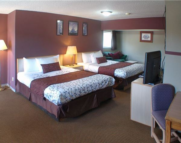 Inn At Salmon Creek Hotel Deluxe Suite Two Queen